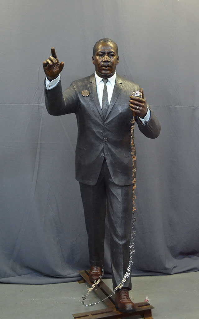 martin-luther-king-bronze-front2